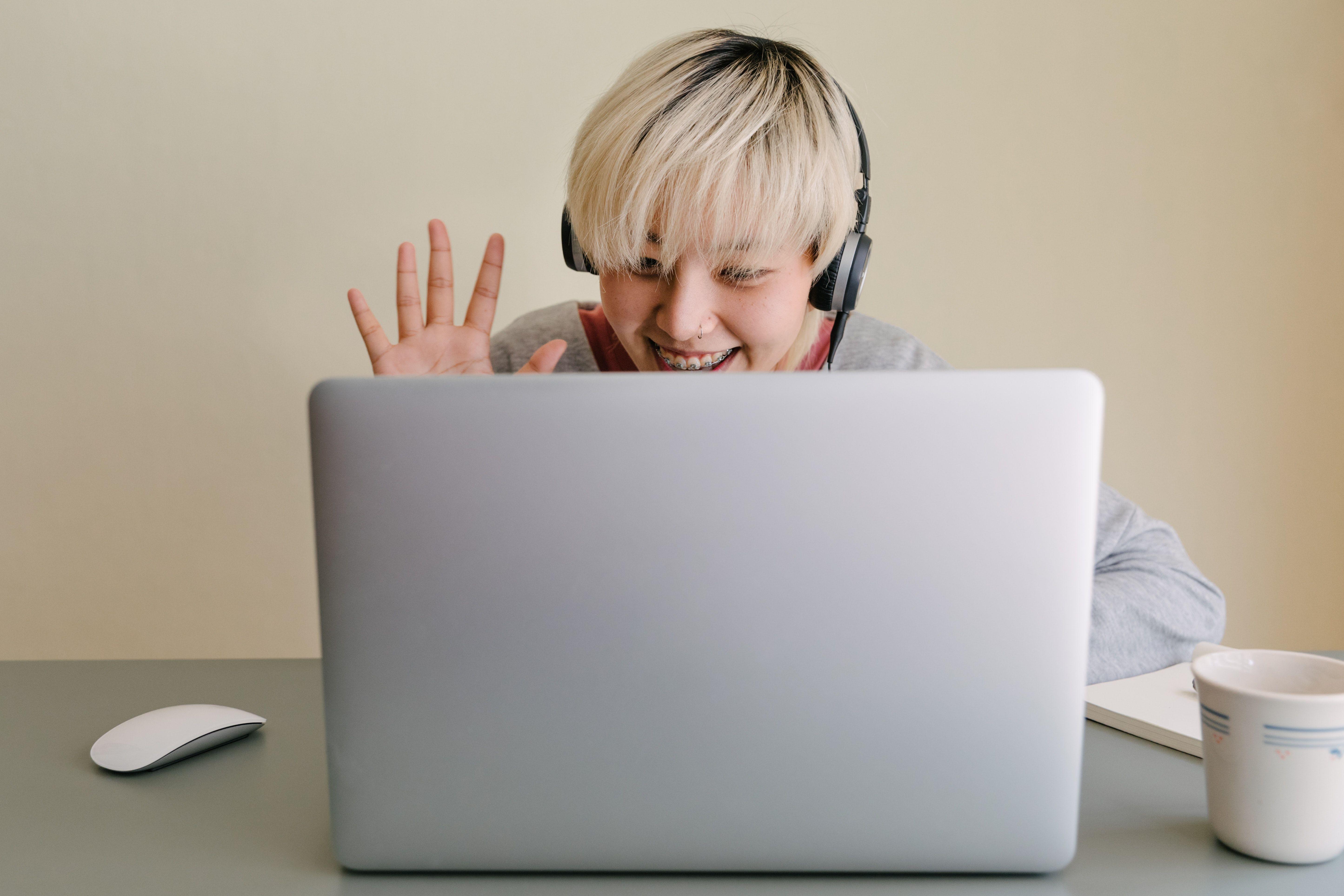 35 Features Of Hiring A Virtual Social Media Assistant